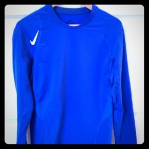 Nike Dry-fit long sleeve